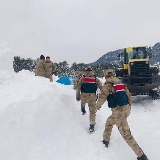 Kar nedeniyle 1 hafta mahsur kalan dayı-yeğen kurtarıldı
