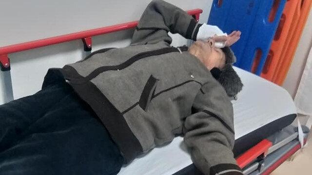 Yaşlı adam hastanede tedavi edildi.