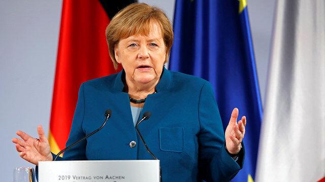 Merkel: AB ordusunun ilk adımını attık