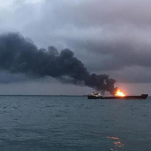 Kırım açıklarında iki gemi alev aldı: 10 ölü