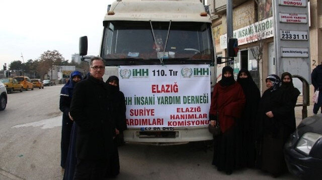   الإغاثة التركية ترسل مساعدات إنسانية إلى مخيمات النزوح في الداخل السوري