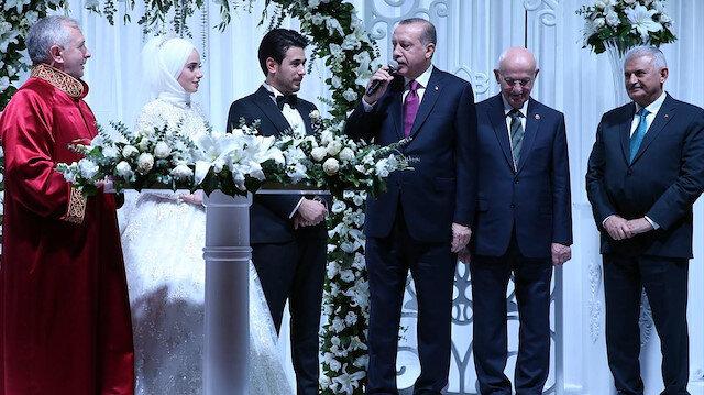 Ankara Müftüsü yasa çıktıktan sonra Cumhurbaşkanı Erdoğan'ın da katıldığı bir düğünde töreninde nikah kıymıştı.