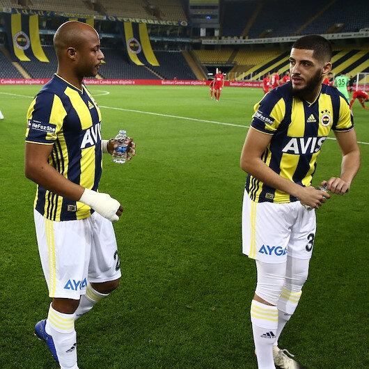 Fenerbahçeli futbolcu Benzia kupa maçında abdest aldı