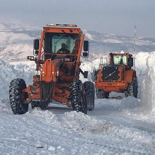 5 metrelik kar engeli 1 ay sonra aşıldı