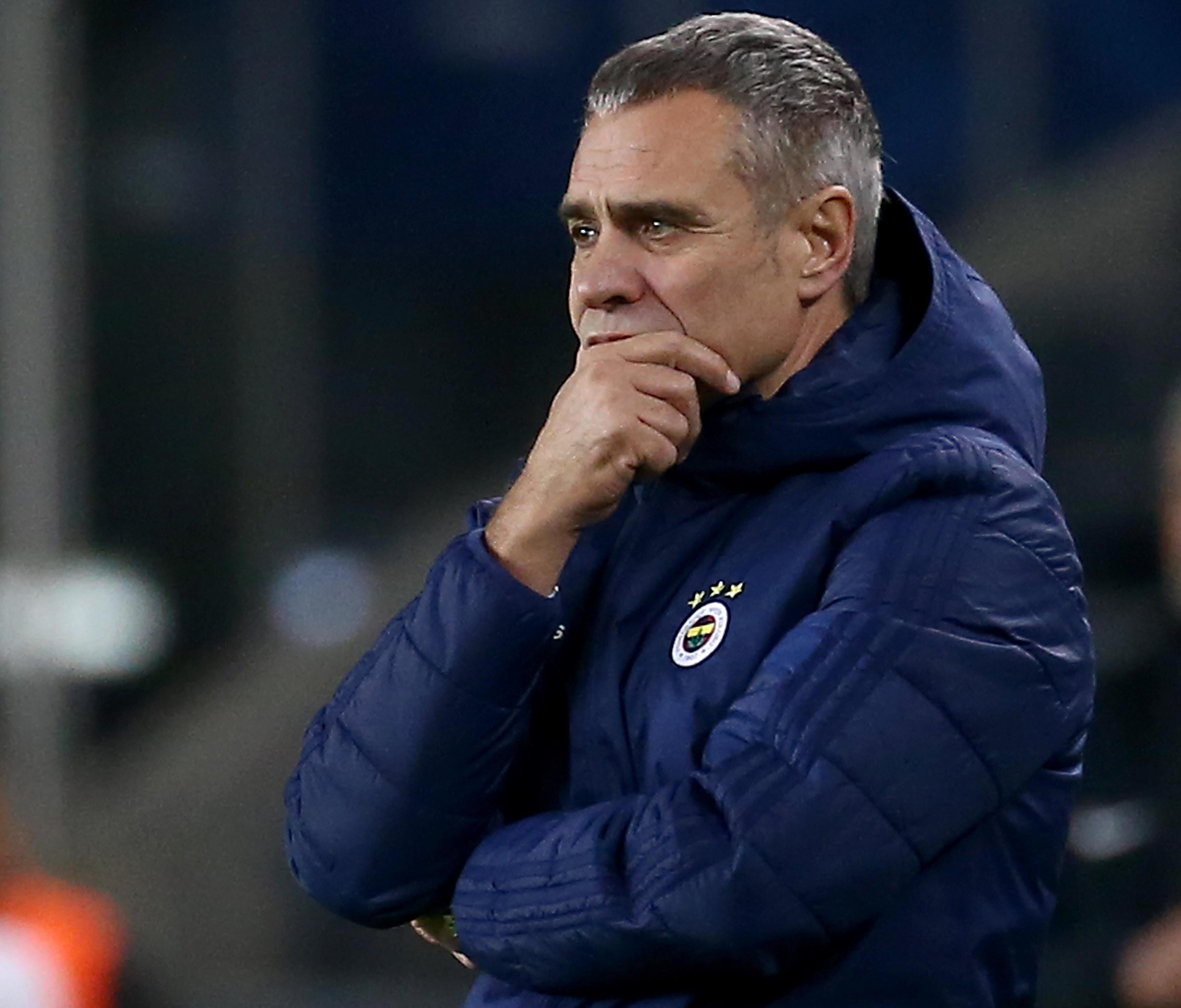 Fenerbahçe'de kurtarıcı olarak görülen Ersun Yanal, çıktığı 6 resmi maçta sadece 1 galibiyet alabildi ve Türkiye Kupası'ndan elendi.