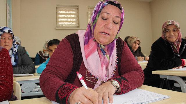 Merkez Haberleri: Torununa yardım edebilmek için okuma yazmayı öğrendi