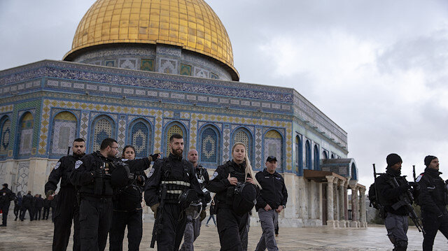 Al-Aqsa Mosque reopens after 'Jewish cap' tension