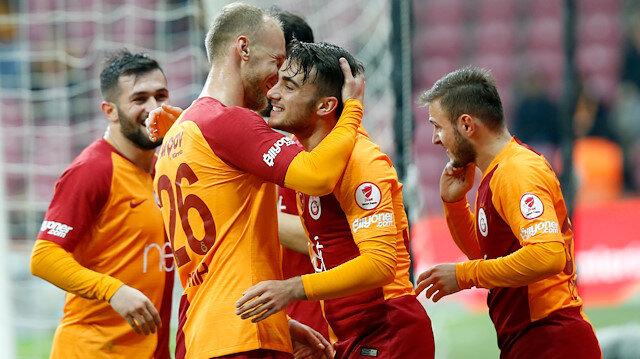 18 yaşındaki Yunus Akgün, Boluspor maçında 3 gol atarak yıldızlaştı.