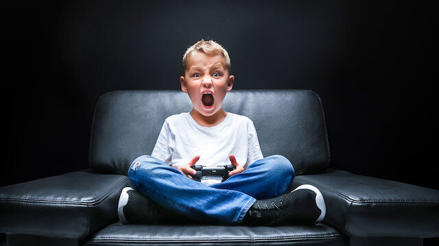 Çocuklar oynadıkları dijital oyunlarda bir eylemi sürekli ve düzenli yaptıkları için aslında o eylemin pratiğini yapıyor.
