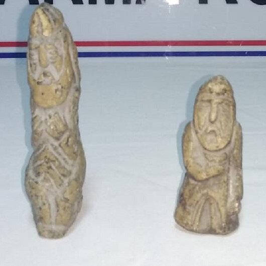 Roma dönemine ait taş heykelleri satarken yakalandılar
