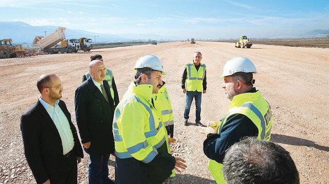 Tokat Belediye Başkanı Eroğlu, havalimanı inşaatındaki çalışmaları inceledi.