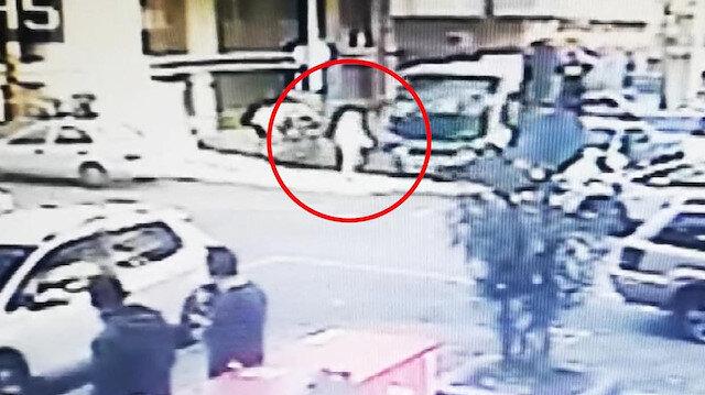 Güzergah dışına çıkan minibüs kadına böyle çarptı