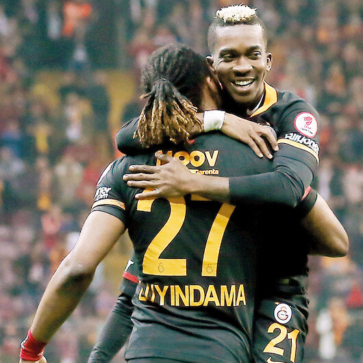 Galatasaray turu yarıladı
