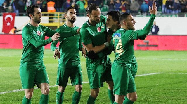 Akhisarspor, Türkiye Kupası çeyrek final ilk maçında Kasımpaşa'yı 3-1 yendi.