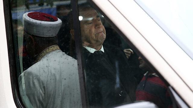 Fatih Terim cenaze nakil aracının ön koltuğunda oturdu.