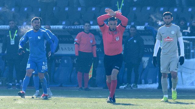 Özgür Yankaya, Erzurumspor-Rizespor maçında ev sahibi ekibinin filelere giden golü öncesinde VAR yardımıyla faul tespit etmişti.