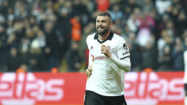 Beşiktaş'a transfer olduktan sonra çıktığı 2 maçta golle buluşamayan Burak Yılmaz, Bursaspor mücadelesinde 2 gol birden atarak siyah beyazlı taraftarlar arasındaki buzları eritti.