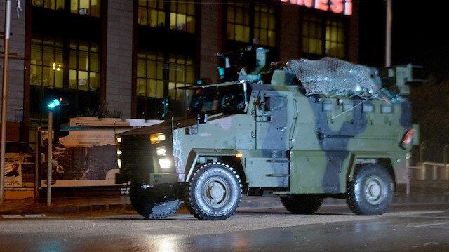 قوات خاصة ومدرعات الجيش التركي تصل الحدود السورية
