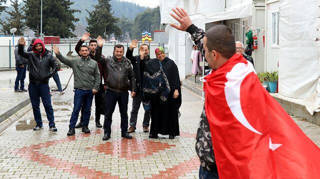 Suriyeli Türkmen genç asker ocağına uğurlandı