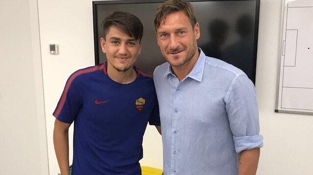 Cengiz Ünder ile Totti.