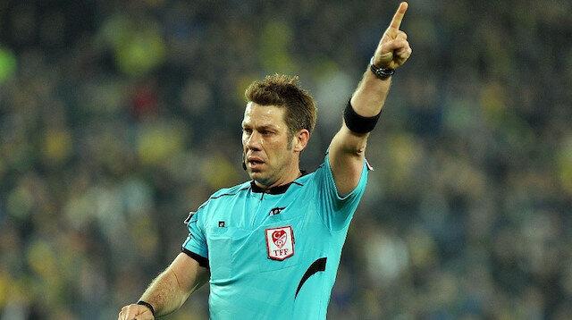 Fırat Aydınus, Göztepe-Alanyaspor maçında vermediği kırmızı kart sebebiyle tepki çekti.