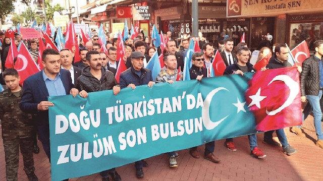 Doğu Türkistan yalnız değil