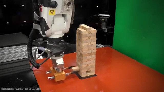 Jenga'da rekor kıran robot