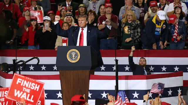 ABD Başkanı Trump, Teksas'ta düzenlenen miting sırasında.