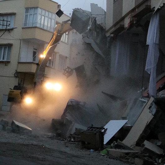 Doğal gaz patlamasında zarar hasar gören iki bina yıkıldı