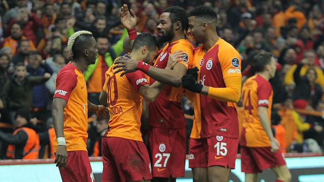 Galatasaray Süper Lig'de 2. sırada yer alıyor.
