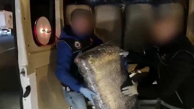 İstanbul'da tek seferde 2 ton skunk uyuşturucu ele geçirildi.