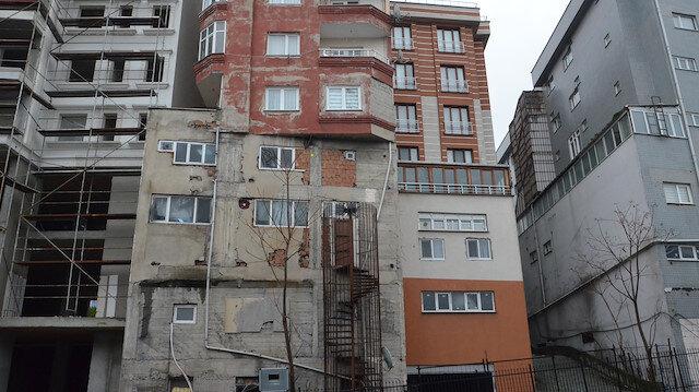 9 katlı binanın görüntüsü şaşkına çeviriyor.