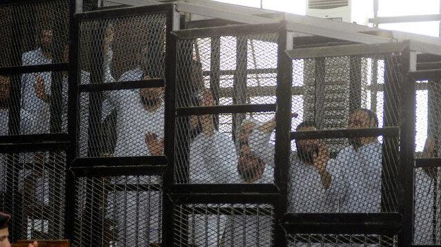 Mısır'da yüzlerce darbe karşıtı, idamla yargılanıyor.