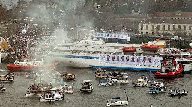 Gazze ablukasını kırmak için 8 yıl önce yola çıkan ve 500'den fazla kişiyi taşıyan Mavi Marmara gemisine İsrail ordusunun uluslararası sularda 31 Mayıs 2010'da düzenlediği saldırıda silahsız 10 insani yardım aktivisti şehit olmuş, çok sayıda kişi yaralanmıştı.