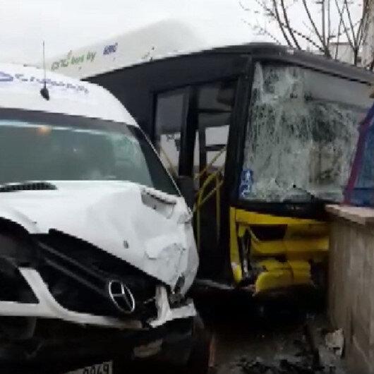 Halk otobüsü ile servis minibüsü çarpıştı: Yaralılar var