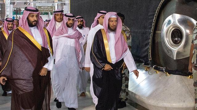 Prens Selman Kabe'nin üstüne çıktı