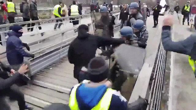 Gösterilerde Christophe Dettinger polisleri dövmüştü.