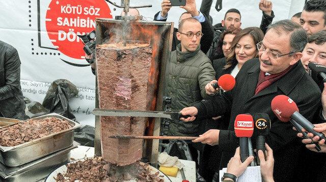 Özhaseki Kılıçdaroğlu'ndan kazandığı tazminatla döner ziyafeti verdi