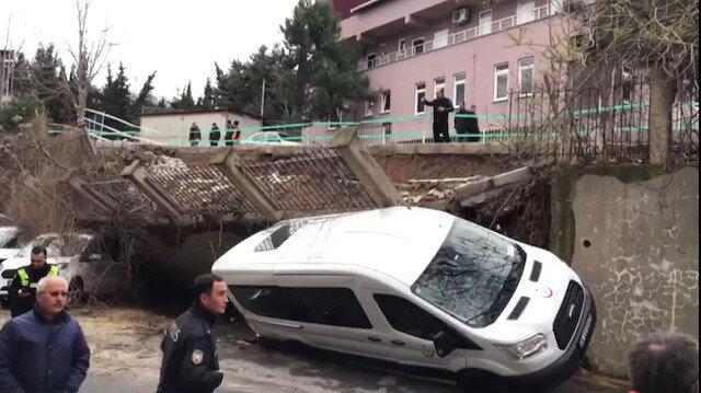 Beykozda istinat duvarı araçların üzerine yıkıldı