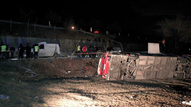 Makedonya'da yolcu otobüsü şarampole yuvarlandı: 13 ölü