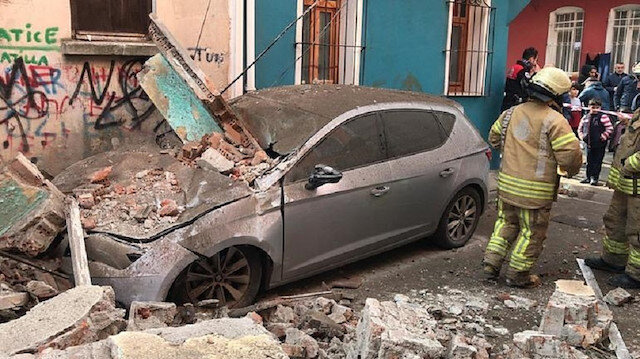 Four-story building collapses in Istanbul