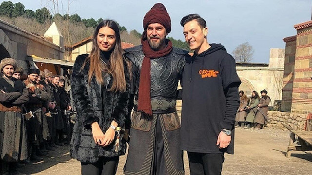 Arsenal star Mesut Özil visits set of hit Turkish series