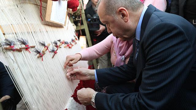 Cumhurbaşkanı Erdoğan halı dokudu