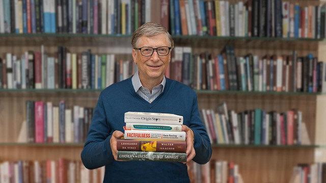 Bill Gates, her yıl düzenli olarak sevdiği 5 kitabı da takipçileriyle paylaşıyor.
