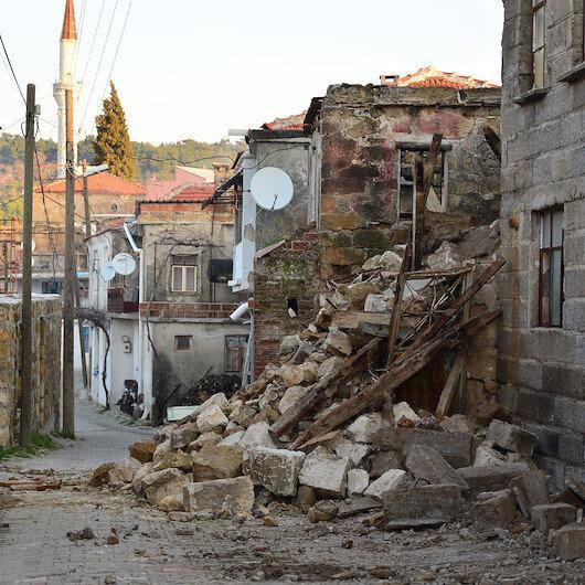 Çevre ve Şehircilik Bakanı: 85 konut hasar gördü