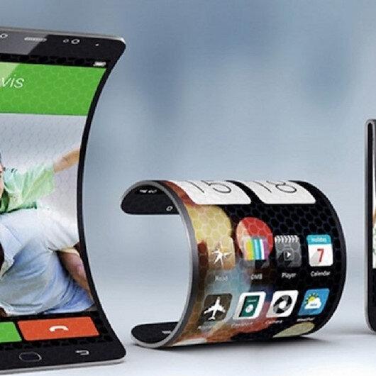 سامسونغ تكشف عن هاتف بشاشة قابلة للطي