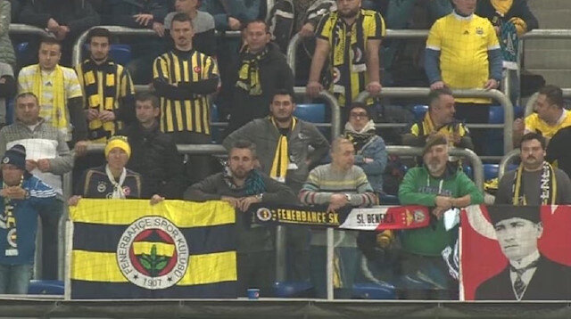 Fenerbahçeli taraftarlardan Galatasaraylıları kızdıran hareket