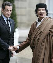 Kaddafi'nin paraları Sarkozy'nin başını yaktı