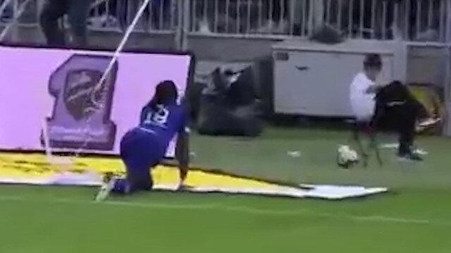 Gomisin gol sevinci top toplayıcı çocuğu kaçırttı