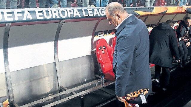 Benfica'nın stadında olay görüntü: Kulübedeki koltukları kaldırdılar